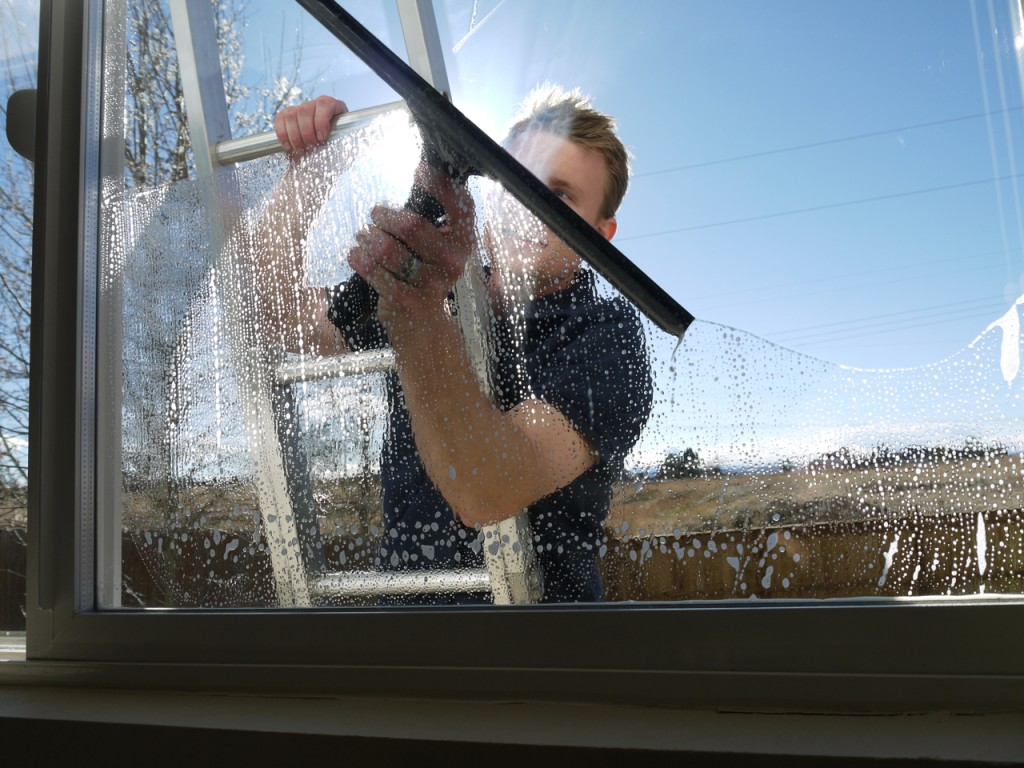 Domestic window cleaning hd clean cheltenham swindon for Window washing
